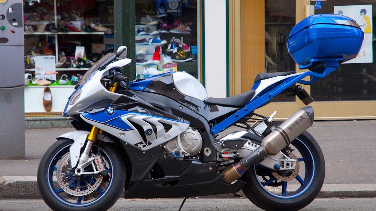 moto btw accessoire top case